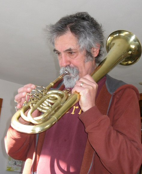 Klaus Thomas Asher playing saxhorn